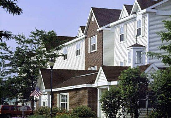 towneplace suites burlington williston reviews
