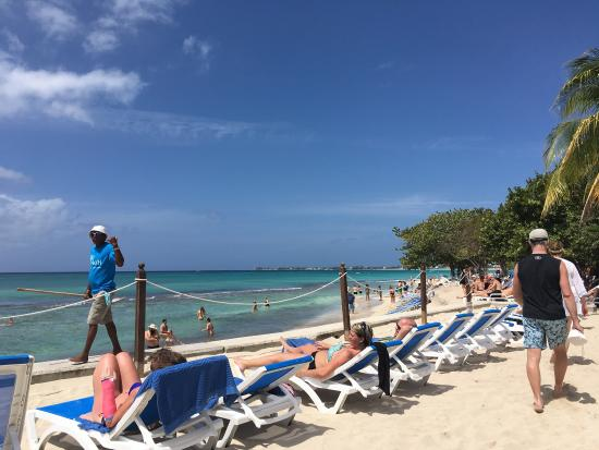 tiki beach grand cayman reviews